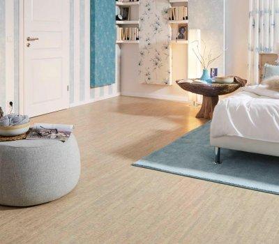 Schlafzimmer mit Korkboden